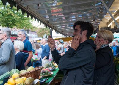 Flashmob auf dem Wochenmarkt