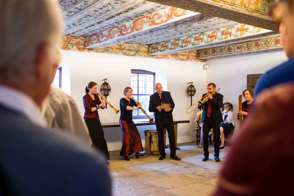 Musikalische Einladung in den Nonnenchor von CAPELLA DE LA TORRE unter der Leitung von Katharina Bäuml. Bild: Anna-Kristina Bauer
