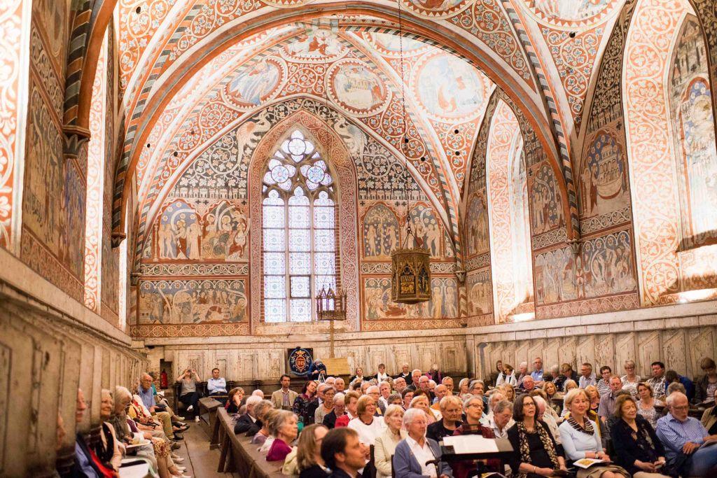Konzert VON WERKEN UND WUNDERN im Nonnenchor des Klosters Wienhausen. Bild: Anna-Kristina Bauer