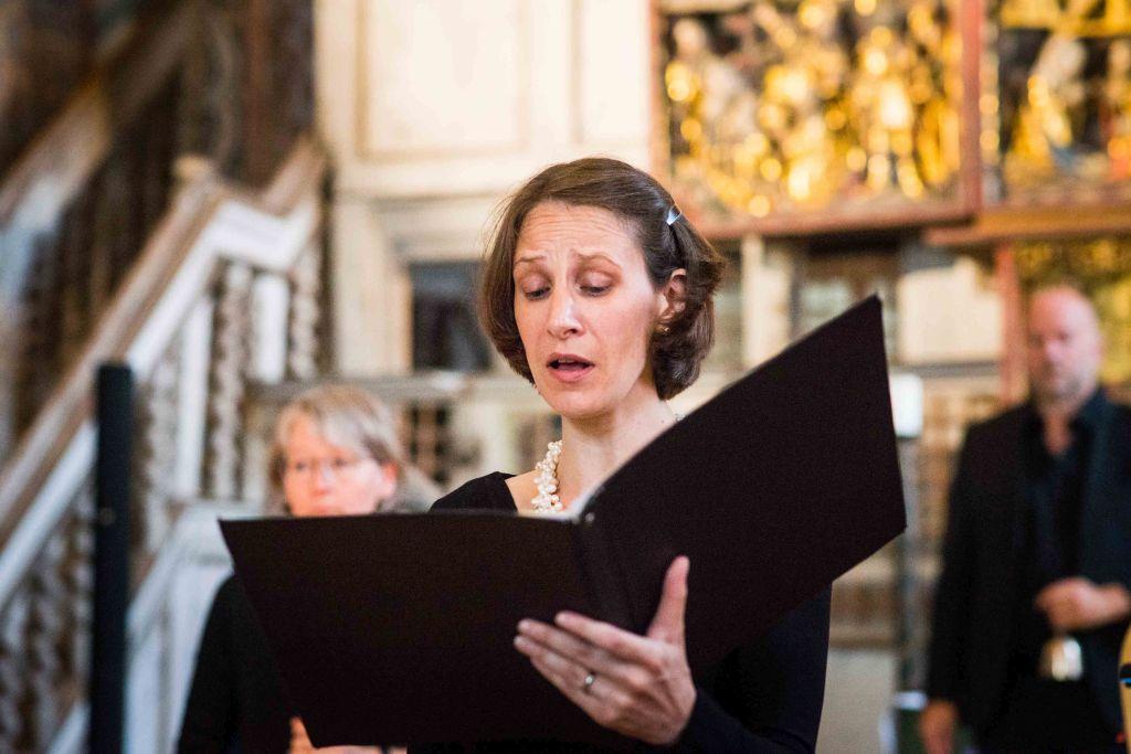 Margaret Hunter von CAPELLA DE LA TORRE begeistert und fasziniert mit ihrem fein gestalteten Gesang und der lebendigen Interpretation. Bild: Anna-Kristina Bauer