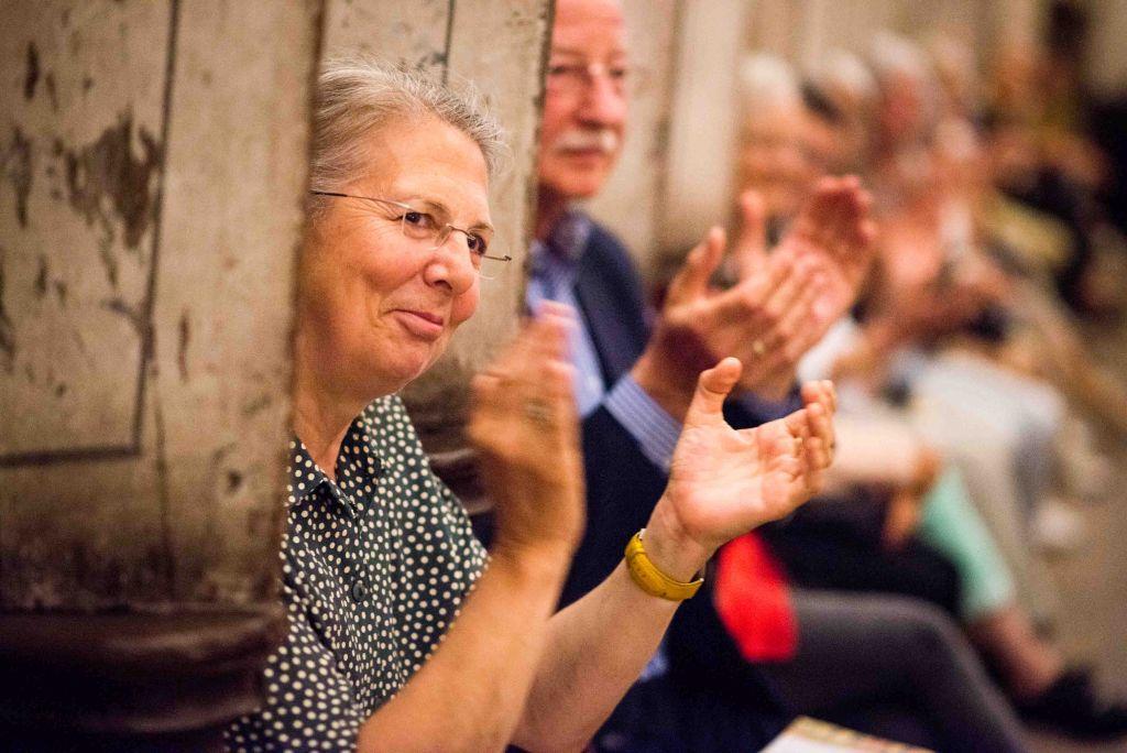 Langer begeisterter Applaus und viele Zugaben beim Konzert im Nonnenchor mit CAPELLA DE LA TORRE. Bild: Anna-Kristina Bauer
